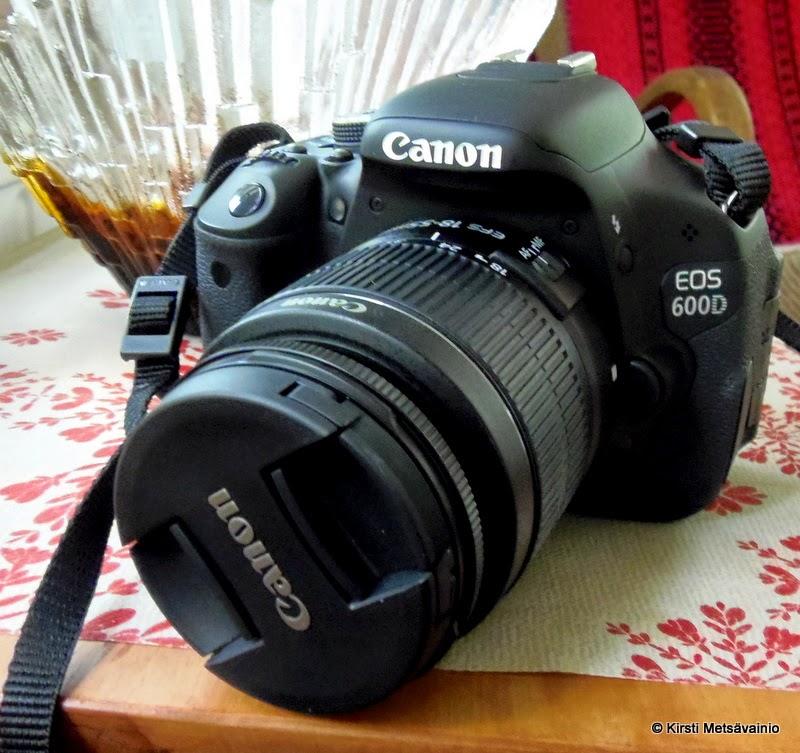 Minun kamerat Canon EOS 600D Olympus sp-810uz, 14 mp ja Sanyo Xacti 6.0 mp