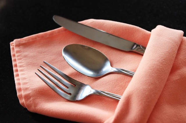 Silver Buffet Napkin Fold | www.mountaintopchef.blogspot.com