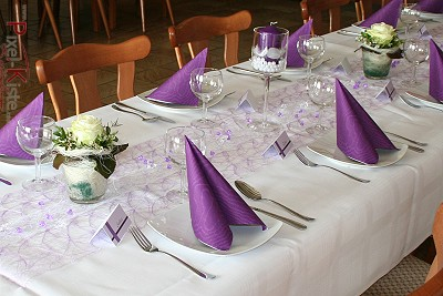mustertische lila / flieder. konfirmation deko grün und lila, Gartenarbeit ideen