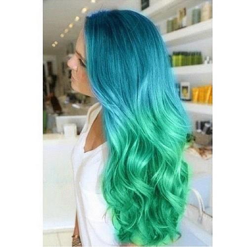 cabelo  azul  e  verde