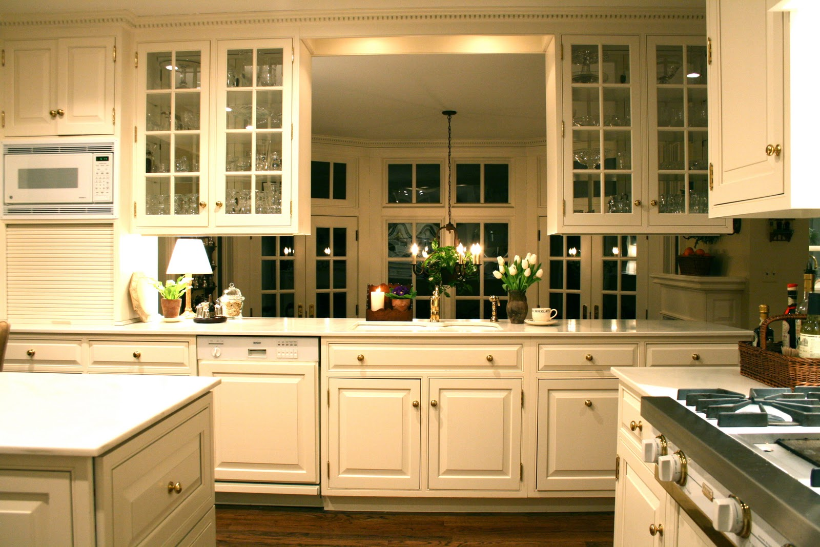 White cabinets with glass doors on pinterest white kitchen cabinets white kitchen designs and Kitchen profile glass design