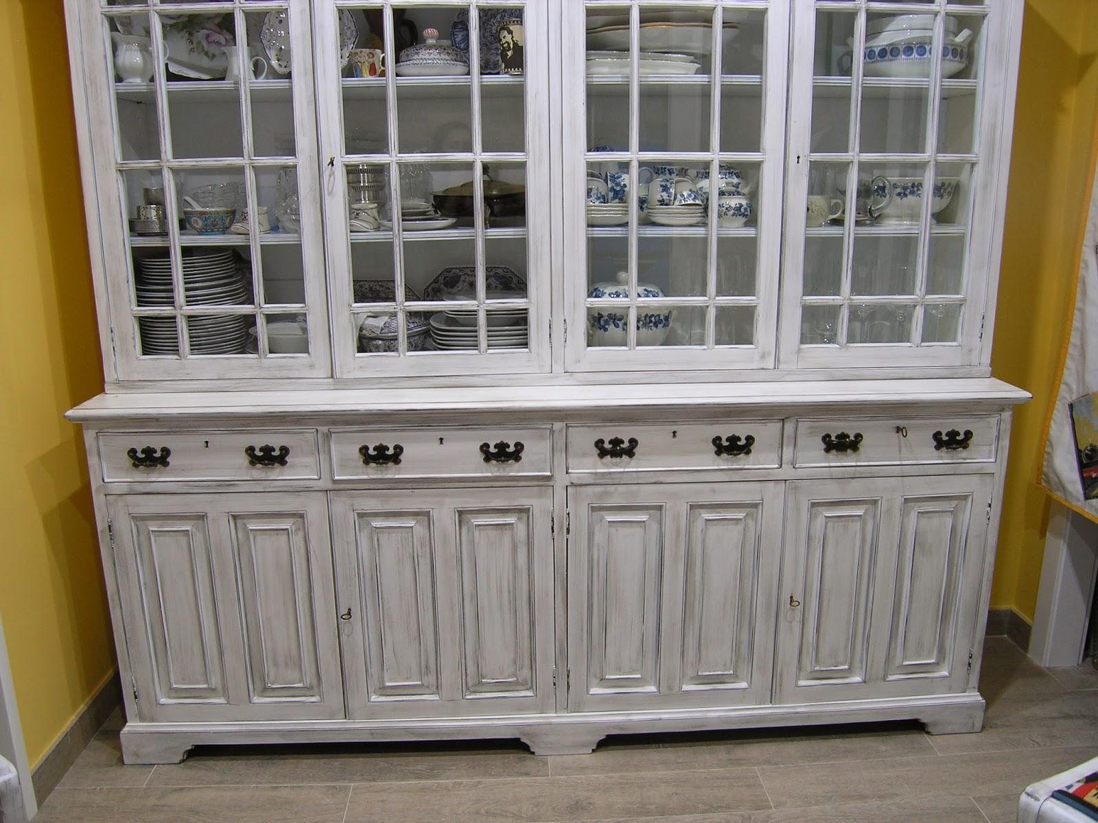 Restauraci n de mueble antiguo en valencia reciclado de - Muebles antiguos valencia ...