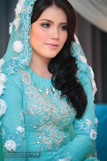 elyana ni pakai baju nikah blue terquoise ,, cantik memikat and the ...
