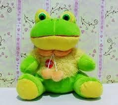 menjual boneka katak