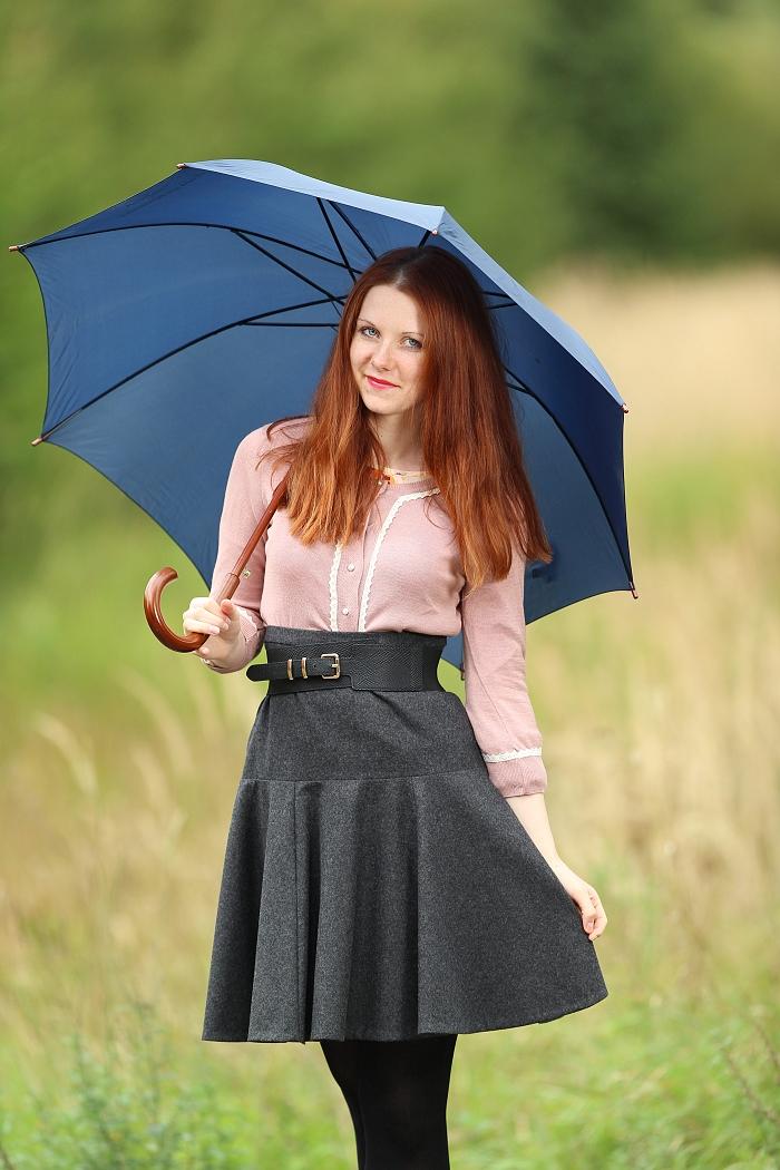 jana minaříková, česká návrhářka, lucie srbová, šedá sukně, blogerka