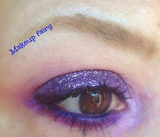 eye_makeup_look_purple_glittery_xmas