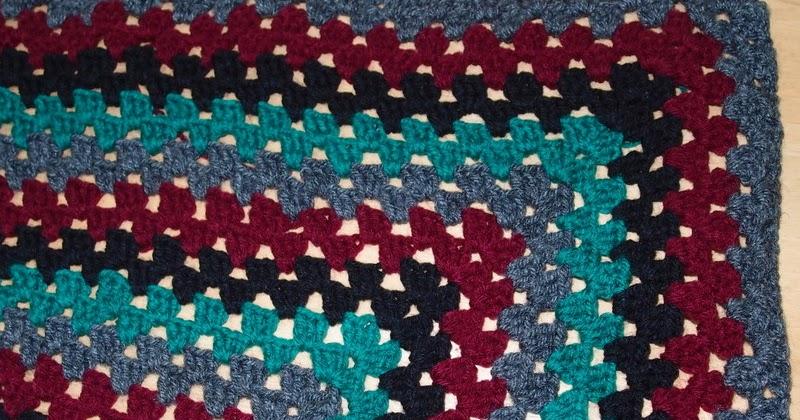 Crochet knee rug for beginners