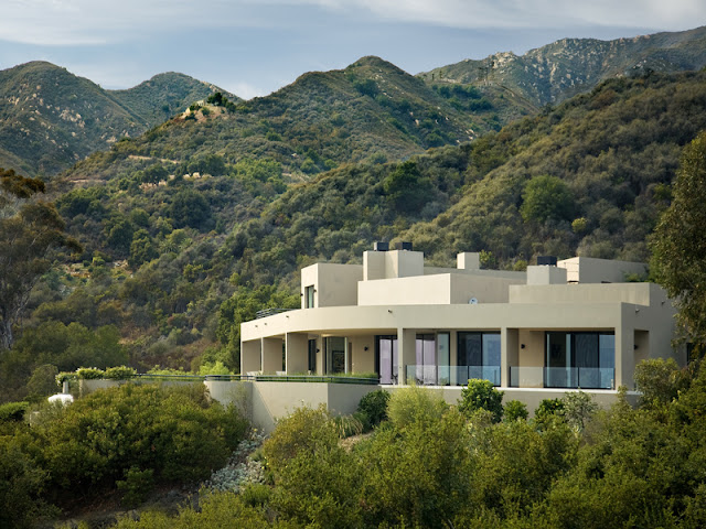 Photo of an amazing home located in the hills