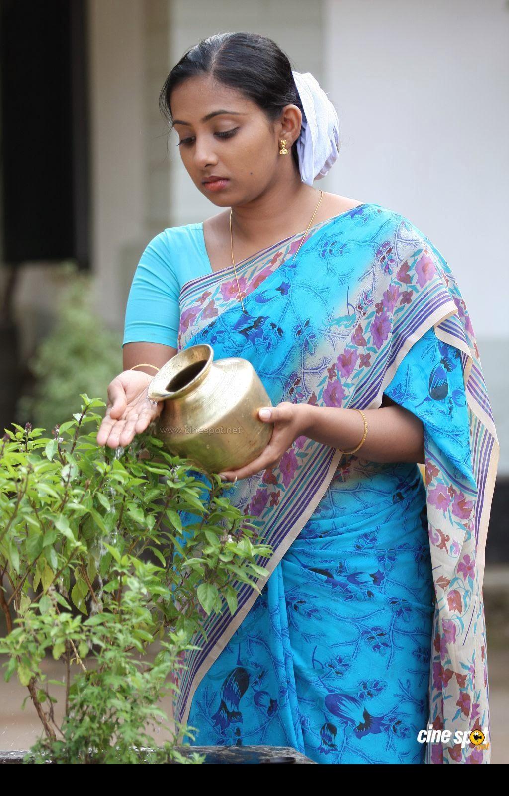 malayalam serial actress rare navel - photo #26