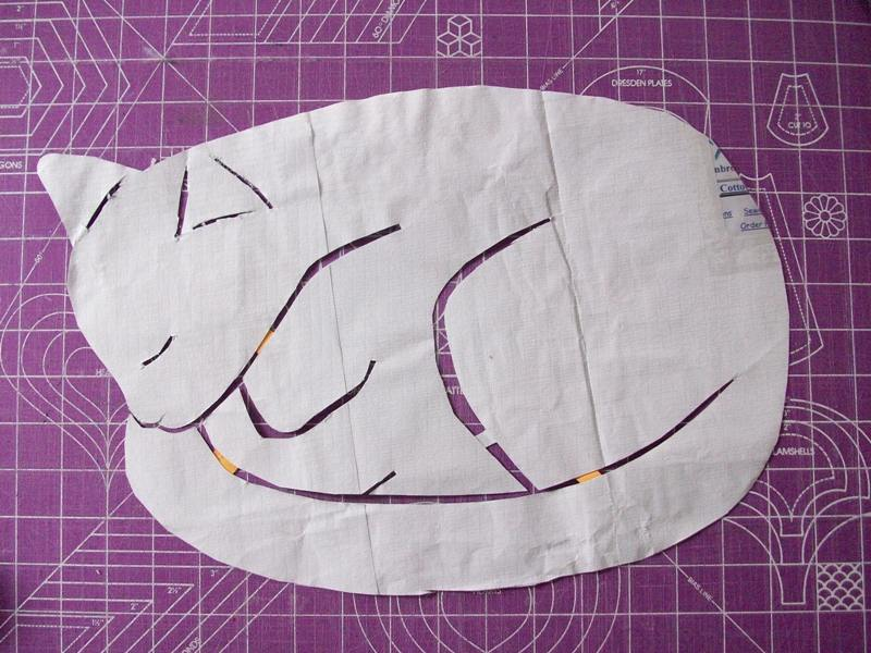 Как сшить подушку спящий кот 44