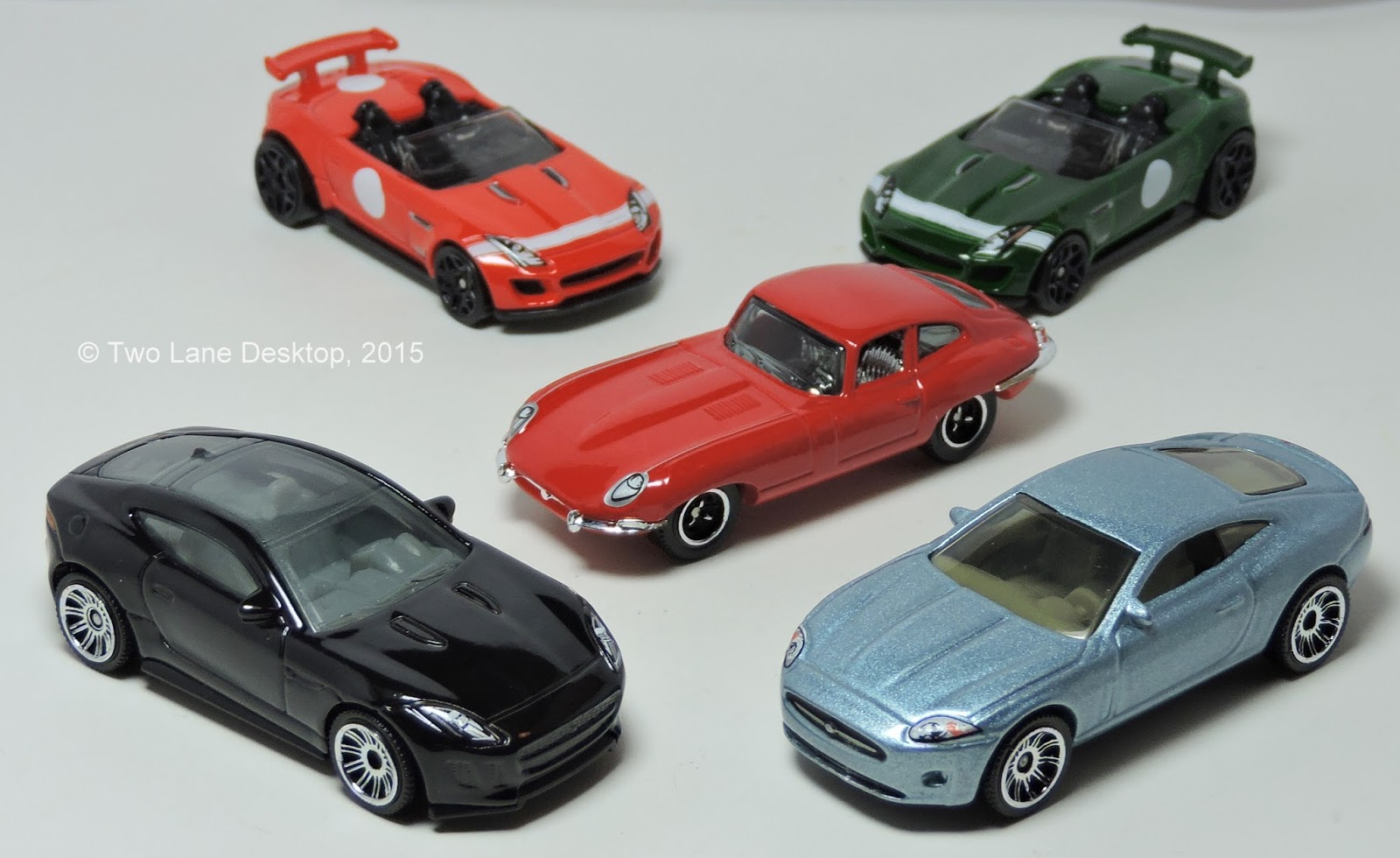 Matchbox jaguar f type coupe and hot wheels jaguar f type project 7 vs matchbox 1961 jaguar e type coupe and 2006 jaguar xk