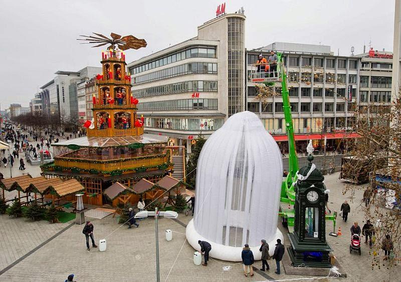 Kondom Raksasa Muncul di Jerman