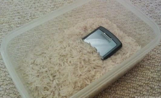 ماذا افعل اذا سقط هاتفي في الماء