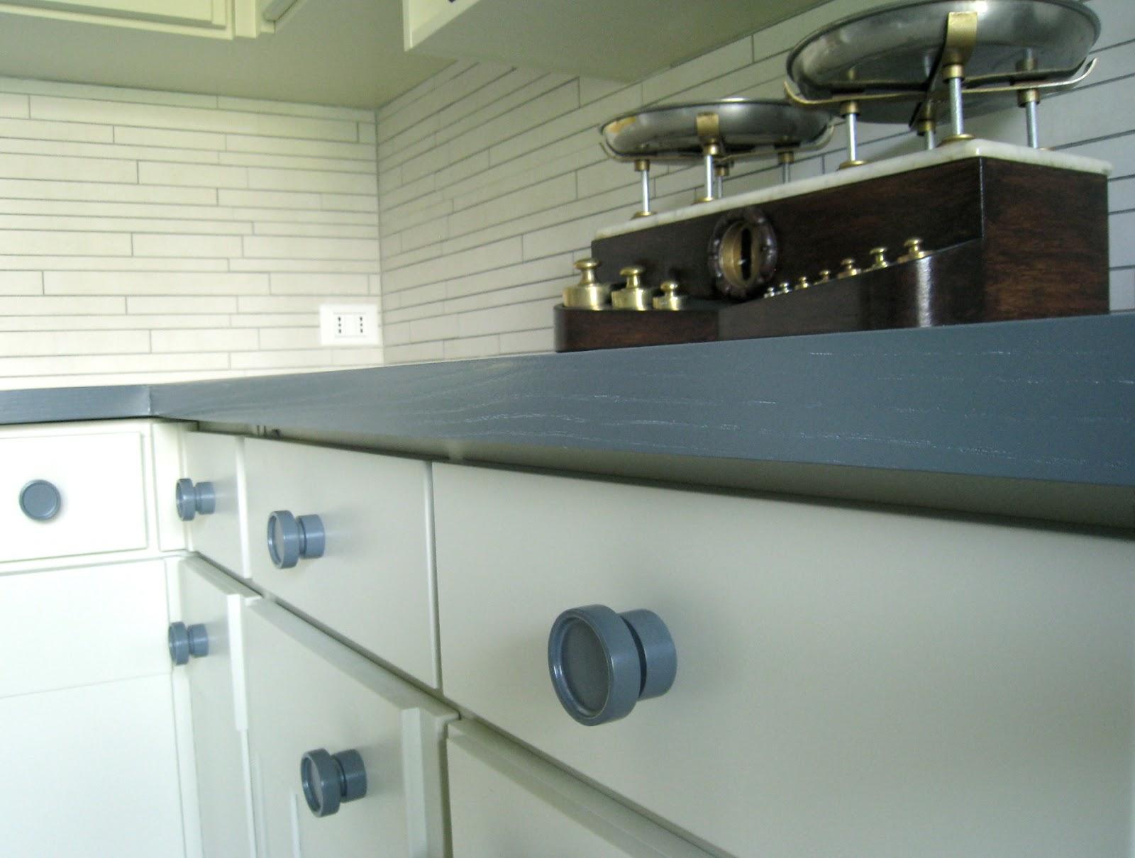 Verniciare mobili cucina cool verniciare mobile legno with verniciare mobili cucina stunning - Dipingere ante cucina in legno ...