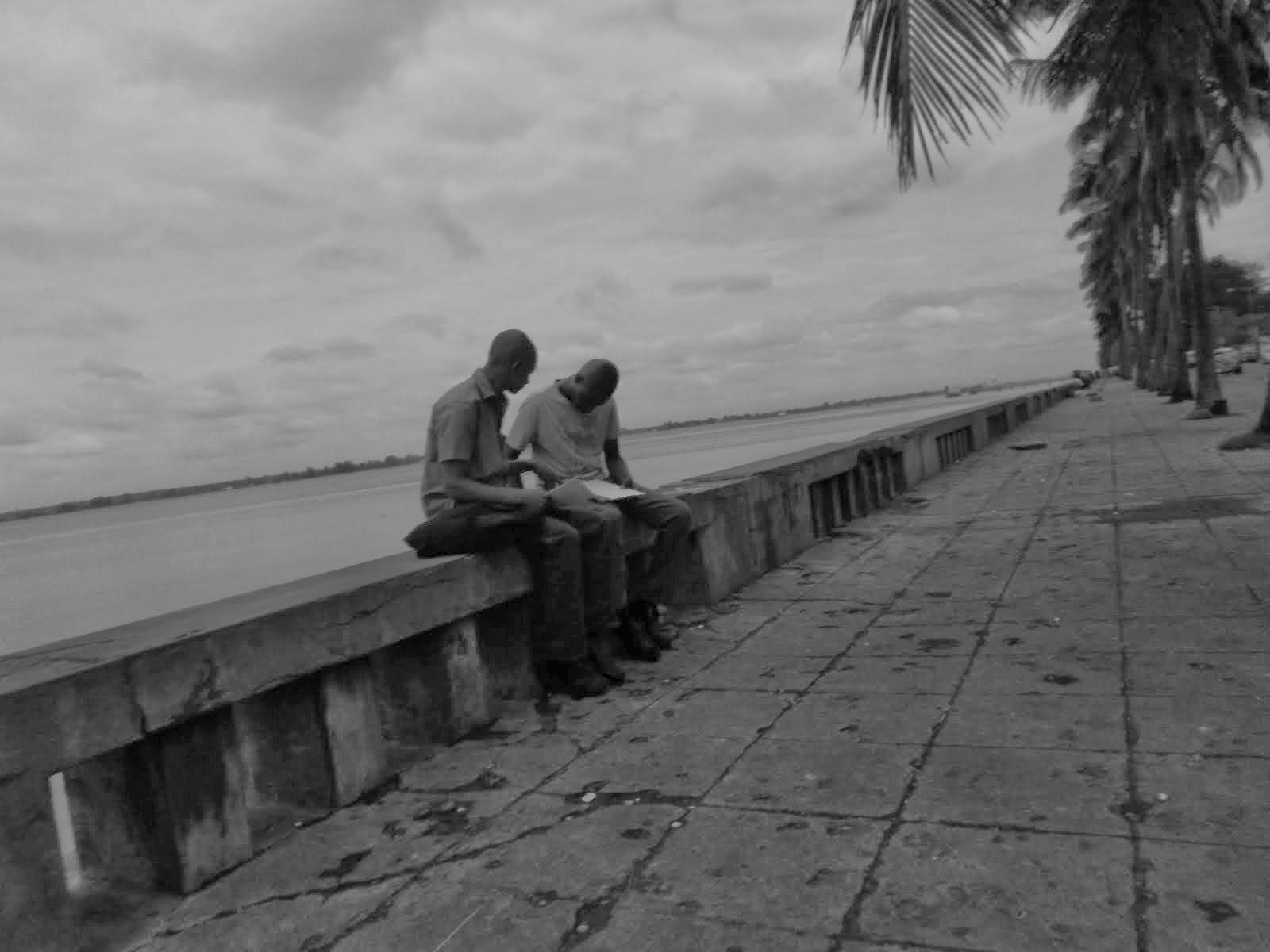 CA  _dois estudantes_ maputo - MA / MOZAMBIQUE