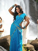 Anjali latest Glamorous photos in saree from svsc-cover-photo
