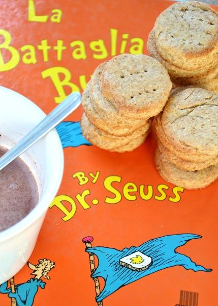 biscotti alla farina integrale e panna acida e liquida