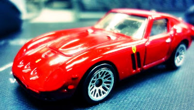 Ferrari 250 GTO - Koleksi Mattel Skala 1:64