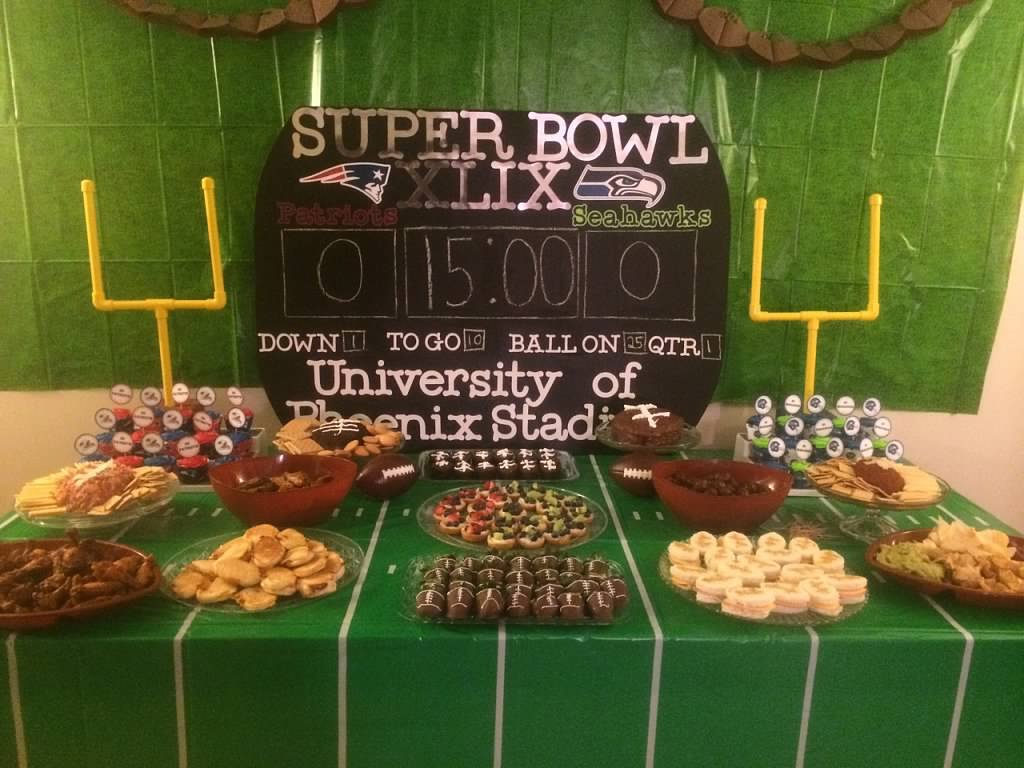 Manic mama miles super bowl football party decorations for Super bowl party items