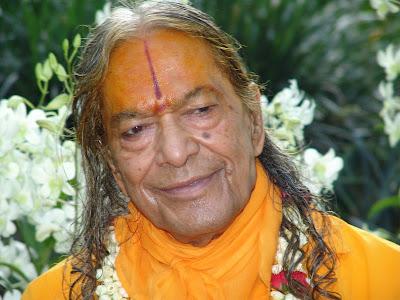 Correct chanting of Krishna name by Jagadguru Shree Kripaluji Maharaj