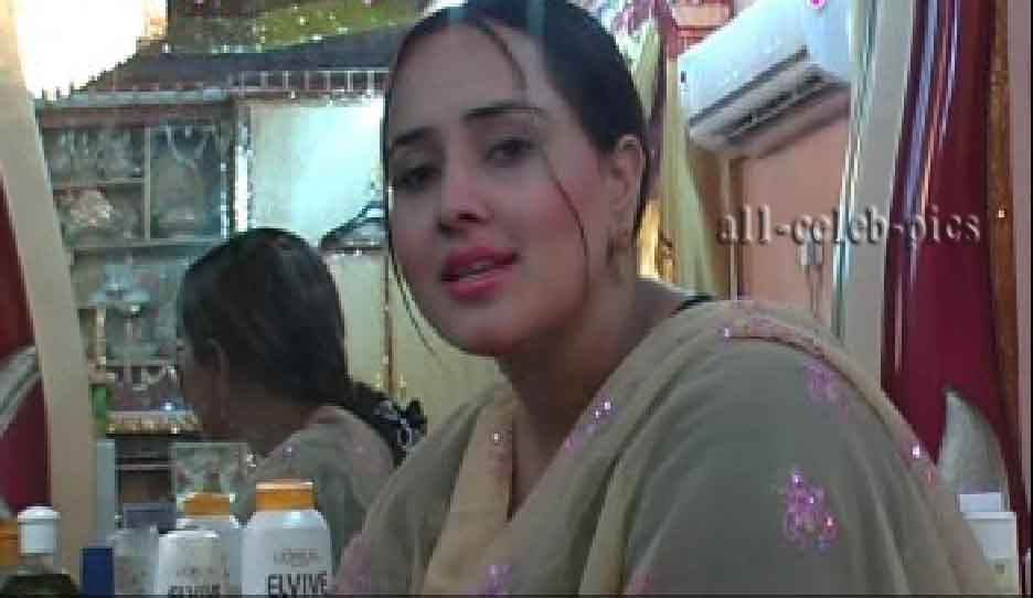 Pashto Hit Singer Raees Bacha Nadia Gul Dancer And Drama Model