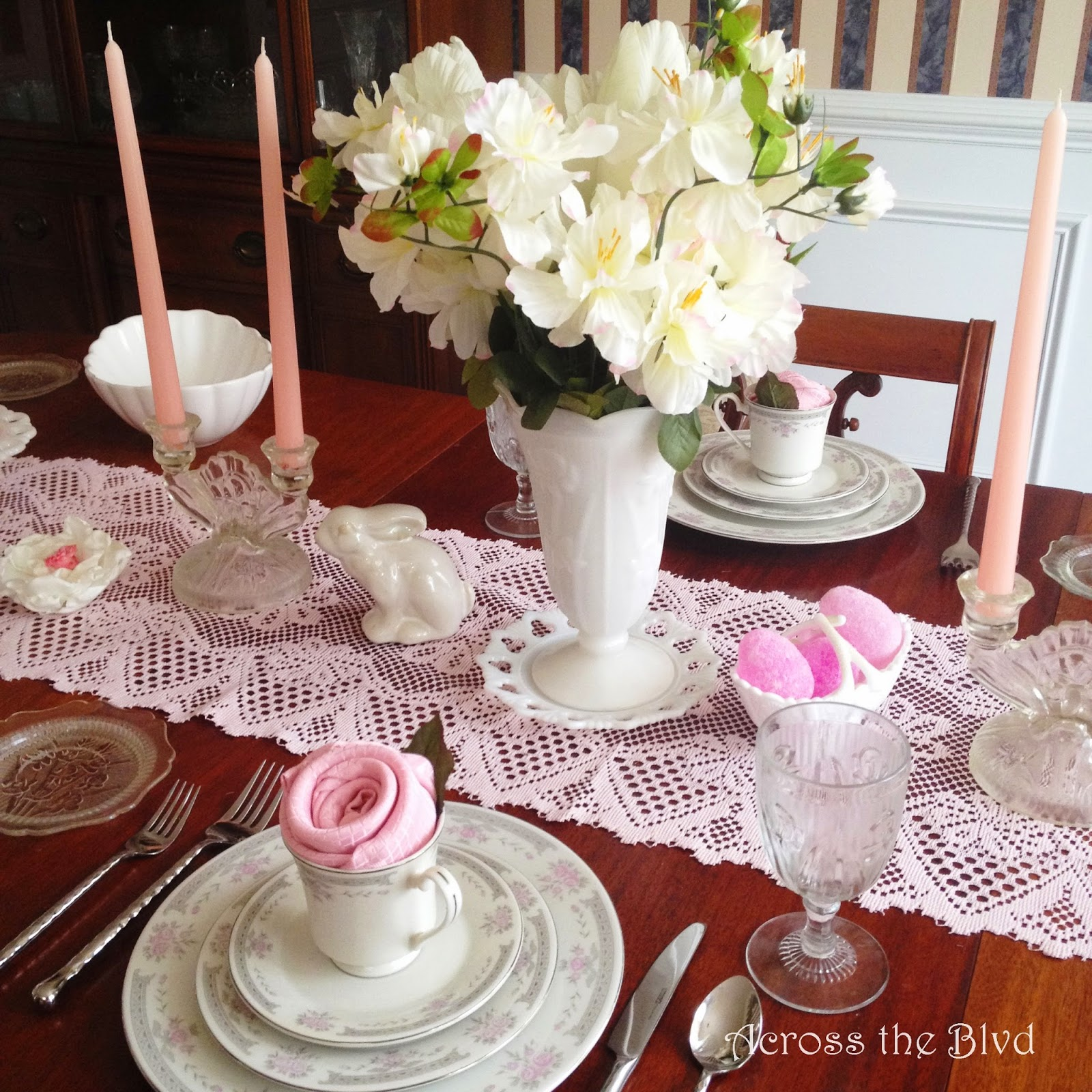 Easter Tablescape~Across the Blvd~Vintage & DIY Decor