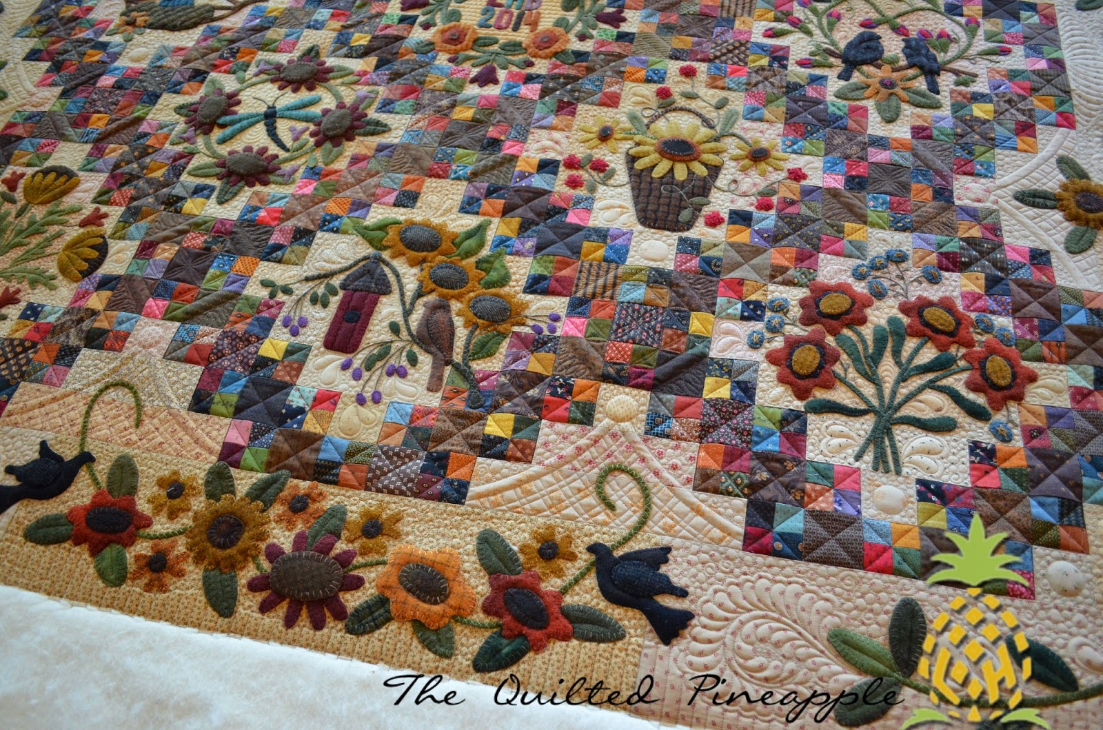 THE QUILTED PINEAPPLE: Sunflower Gatherings - Primitive ...