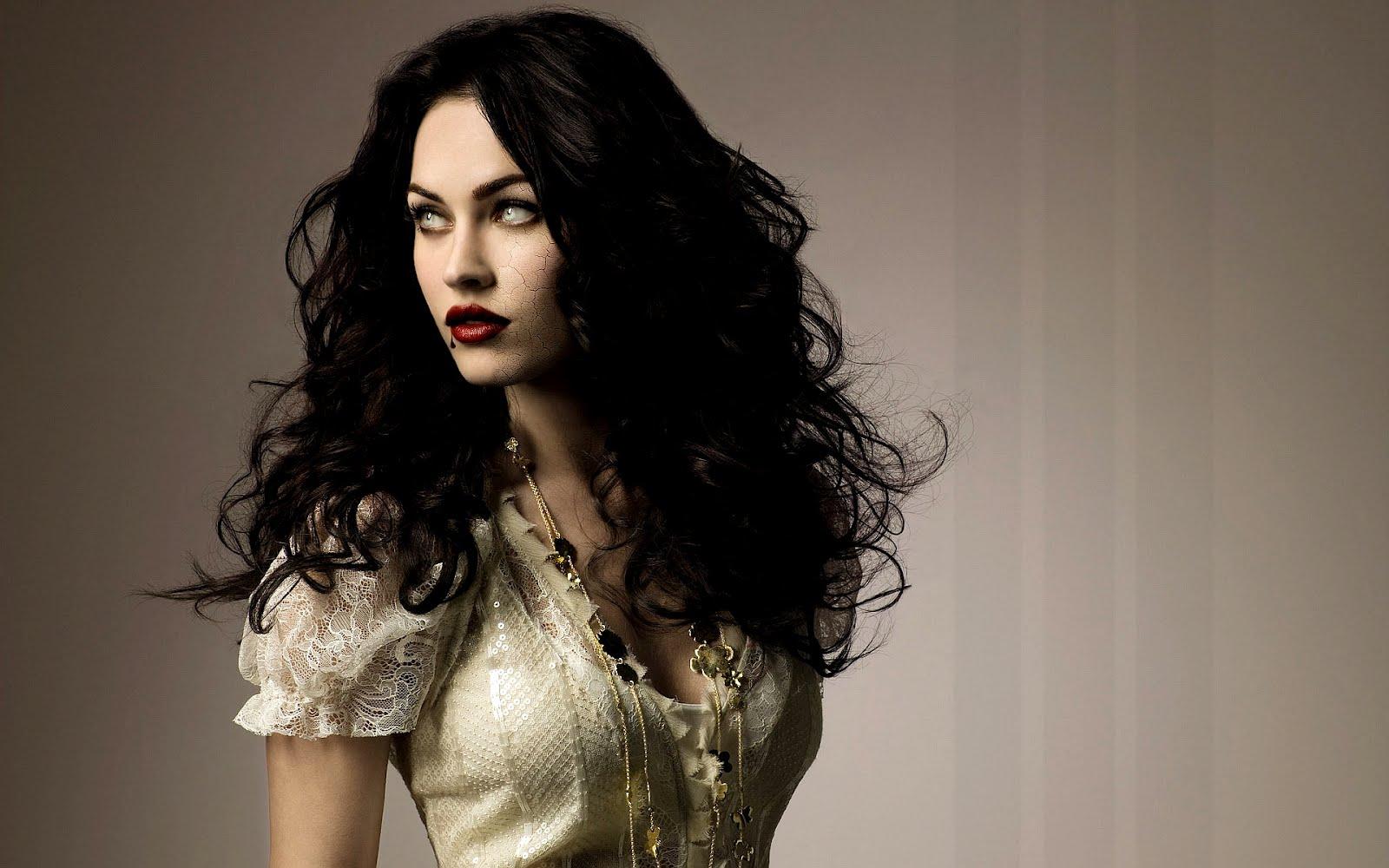 http://2.bp.blogspot.com/-XRj-t8tdANU/T4wrh39QkBI/AAAAAAAAA-4/rENhyQNaVUg/s1600/megan_fox_vampira_vampiresa_01.jpg