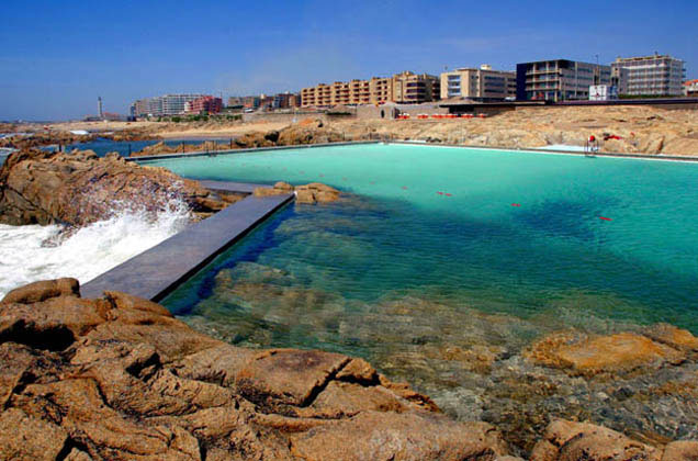 Arquitectura espectacular piscinas des mares for Piscinas naturales en portugal