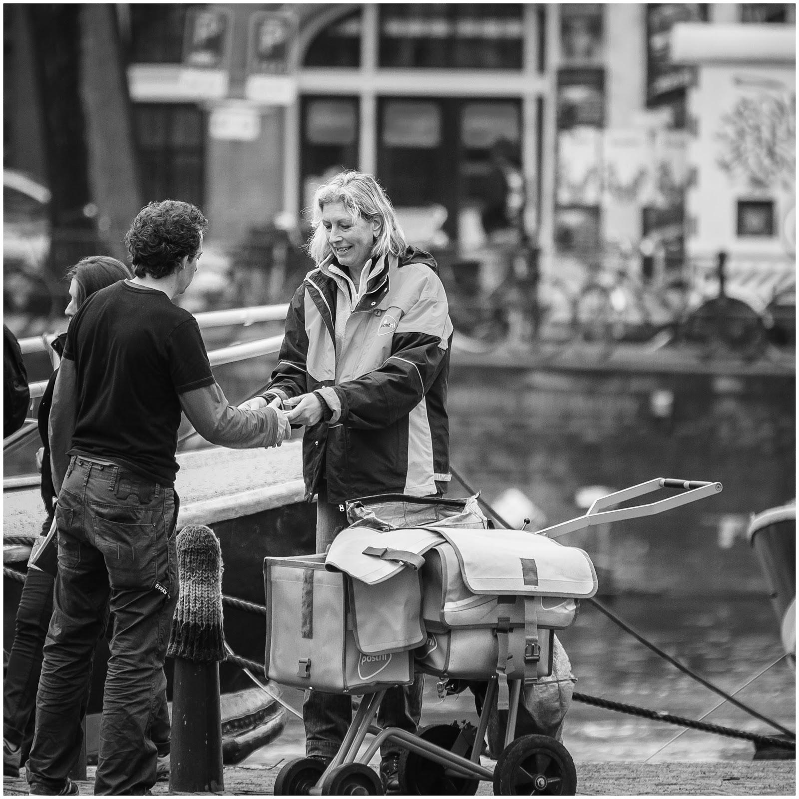 Hier is je post..... straatfotografie in Amsterdam
