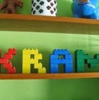 http://todiyornottodiy.blogspot.pt/2013/11/letras-com-pecas-de-lego.html