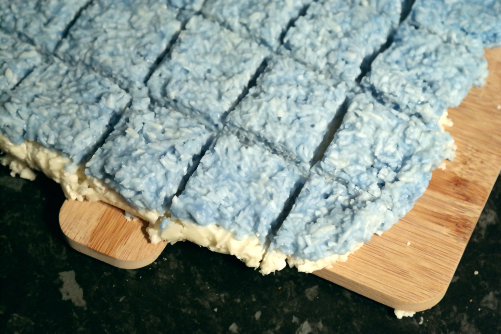 How to make blue and white coconut ice Frozen style