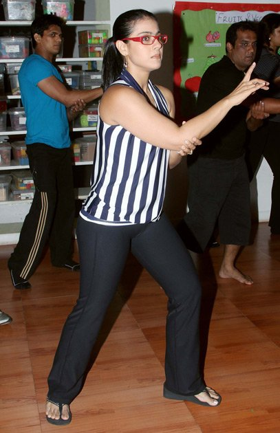 kajol dance lessons with the students glamour images