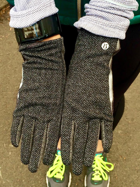 lululemon run with me gloves