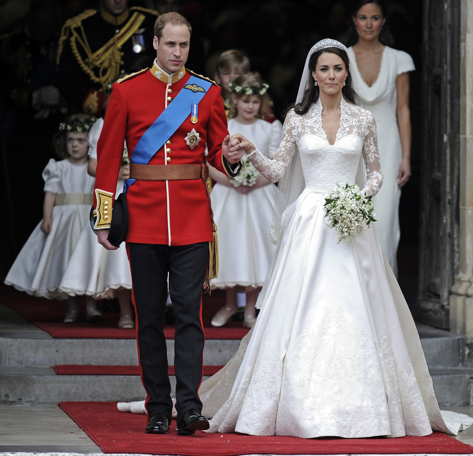 Princ William and Kate Middleton.jpg.pagespeed.ce.7wQqbJP6zN - Prince William Wedding Cake