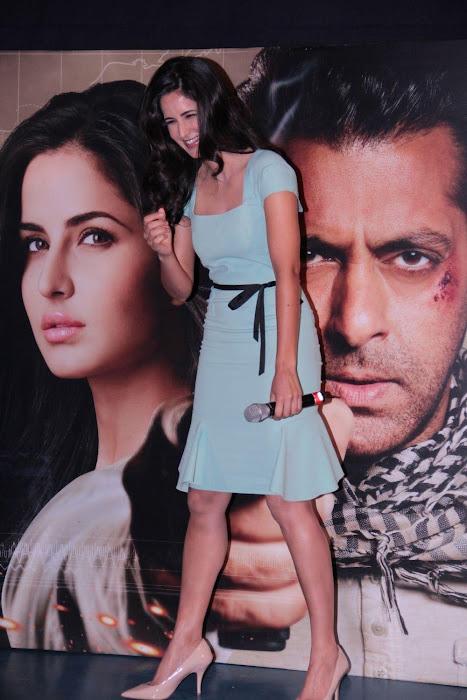 "katrina kaifsalman khan promoting ""ek tha tiger"" at mumbai. unseen pics"