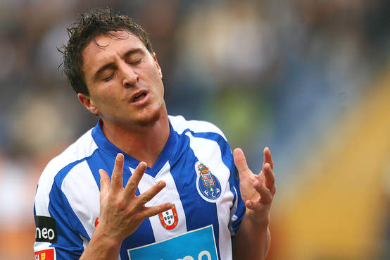 Cristian Rodriguez do Porto pode ser o novo reforço do Grêmio
