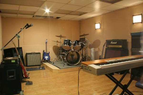 Valeria Home Design STUDIO MUSIC ROOM
