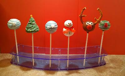 Christmas cake pops, reindeer cake pops, christmas tree cake pops, snowman cake pops