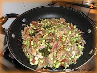 Rigatoni con speck funghi e zucchine