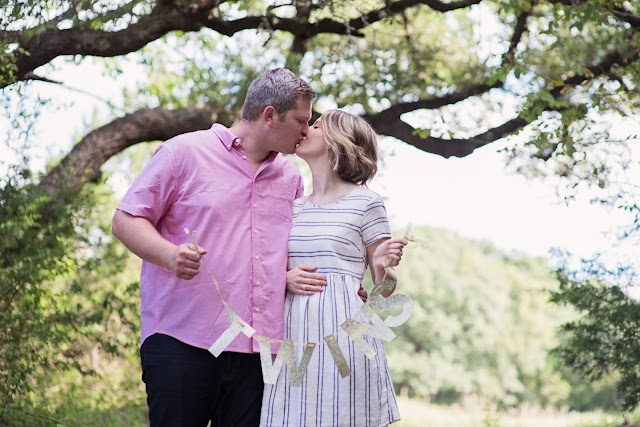 twin announcement, austin photographer, pregnancy announcement, maternity photography
