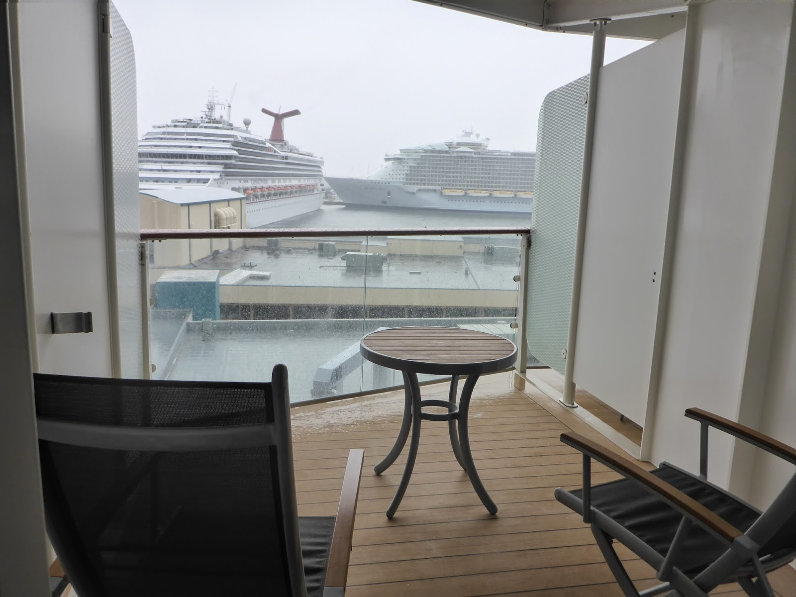 Goldring travel 39 s making waves candid cruise travel for Cruise balcony pictures