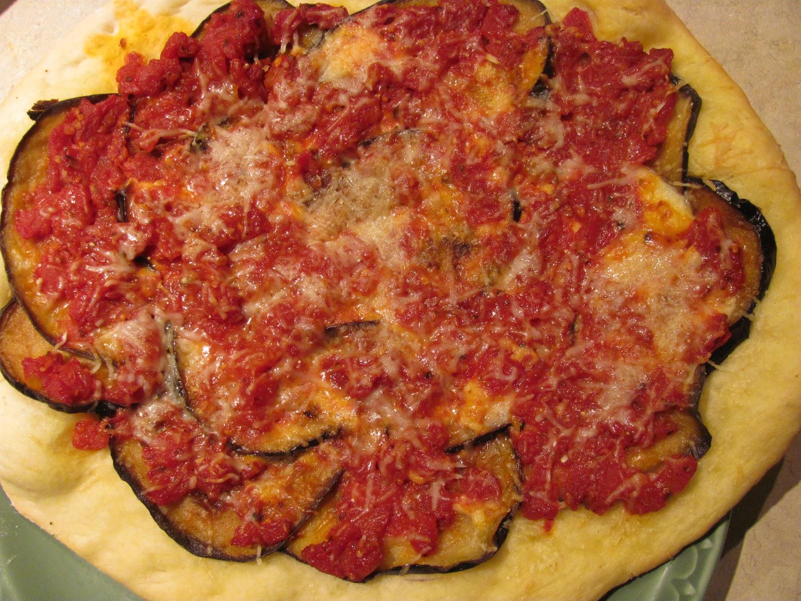 anecdotes de cuisine p te pizza 101 puis super pizza aubergine et tomate. Black Bedroom Furniture Sets. Home Design Ideas