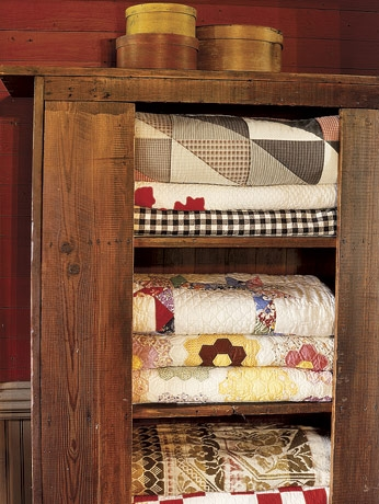 Frog Goes to Market: Learning to Quilt : quilt cupboard - Adamdwight.com