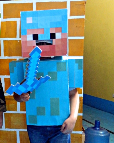 Minecraft Steve diamond armor, DIY Minecraft costume, halloween costume ideas