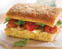 Sanduíche com Tomates Fritos (vegana)
