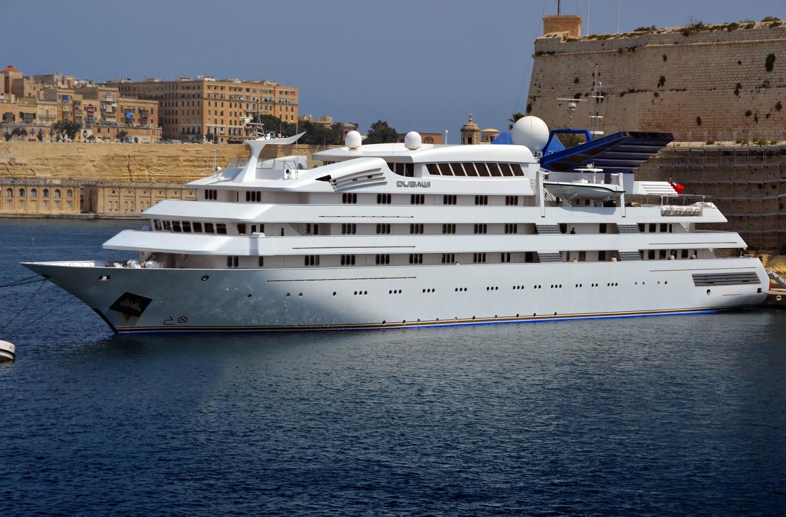 Superyacht DUBAWI