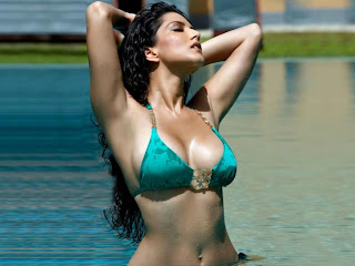 Sunny Leone's Latest Bikini Stills From JISM 2