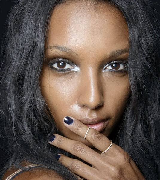 white eyeliner, makeup trend, pencil liner, white eyeshadow, eyeliner, double flick liner