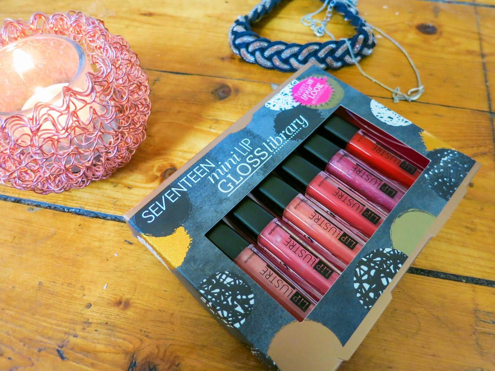 Stocking Fillers SEVENTEEN Lipgloss Library